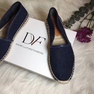 Diane Von Furstenberg Navy Lace Espadrilles  🖤✖️